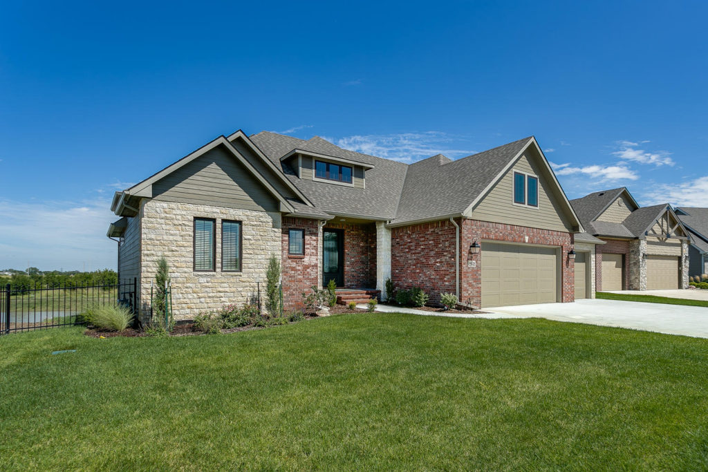 5998 Forbes Ct Bel Aire KS-large-004-59-Front Exterior-1500x1000-72dpi